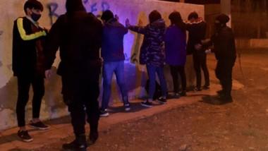 Los sujetos fueron detenidos por desorden e ingesta de alcohol.