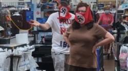 Pareja prohibida por Walmart después de usar mascarillas nazis en la tienda Marshall, Minnesota.