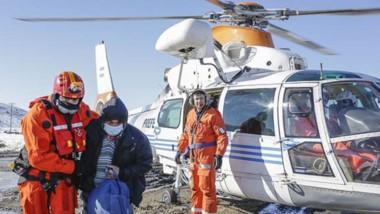 A través de helicóptero pudieron evacuar a una familia y se abasteció a otras 14 en otros puntos.