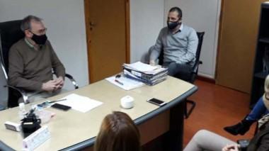 Encuentro. Los funcionarios municipales y su encuentro con Puratich.
