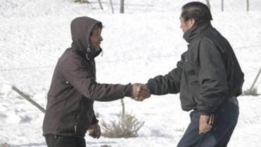 Con una importante cantidad de nieve que permanece en el lugar, continúa la asistencia a los pobladores y productores.