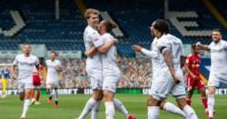 Leeds United venció 3-1 a Blackburn Rovers. Con 15 puntos por jugar, le sacó 6 al tercero.