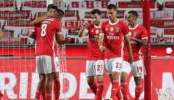 El Benfica, que había perdido sus dos partidos anteriores, se impuso 3-1 al Boavista, en la jornada de liga portuguesa, y se resiste a dar el título por perdido.
