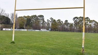 """Las canchas de la Unión de Rugby del Valle del Chubut esperan por la """"Vuelta al Club"""" de sus jugadores."""