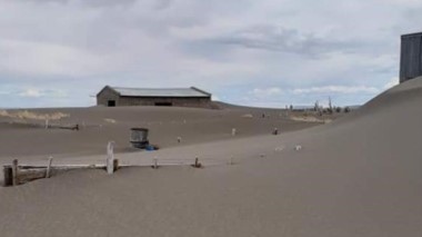 El lago Colhue Huapi se secó por el desvío artificial del río Senguer.