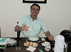 Bolsonaro, contagiado; Brasil, en el pico de la pandemia… pero hoy abrió bares y restaurantes.