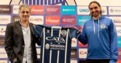 De Caseros a Mendoza: Diego Martínez dejó Estudiantes y fue presentado como nuevo DT en Godoy Cruz.