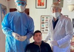 Maradona se sometió en su casa al hisopado que marca el protocolo sanitario.