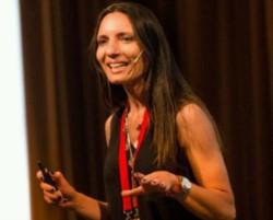 Cecilia Panetta, gerente ejecutiva de Marketing de AXION energy.