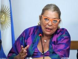 Para Elisa María Avelina defender la República es avalar la inconstitucional decisión de Biotti que busca impedir que los Senadores hagan lo que la Constitución habilita.