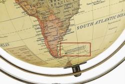 La comercialización de globos terráqueos en Reino Unido en el que las Islas Malvinas son nombradas el topónimo utilizado por Argentina y no por su nombre británico, Flaklands, causó indignación.