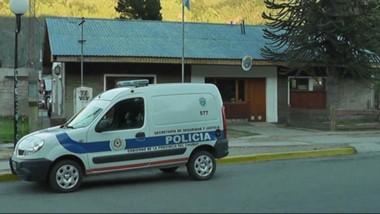 La Policía de Lago Puelo tendrá que monitorear la estadía del hombre que fue acusado de más de 21 causas en la ciudad de Comodoro Rivadavia.