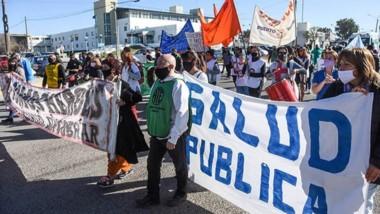 Ayer marcharon personal de salud, judiciales y retirados de la policía.