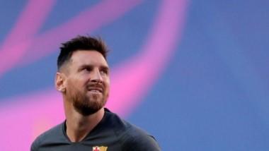 """Aseguran que Messi le dijo a Koeman que se siente """"más afuera que adentro"""" del Barcelona."""