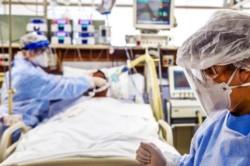 Un hombre de 70 años murió tras contraer coronavirus en la localidad rionegrina de Allen, sin que se le pudiera conseguir una cama para que sea atendido en terapia intensiva.