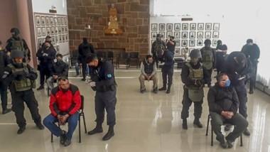 En los allanamientos se secuestró más de 2 millones de pesos y drogas. Los detenidos fueron a Jefatura.
