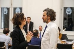 Todesca Bocco en un alto en la reunión del Gabinete Económico, con el jefe de Gabinete Santiago Cafiero.