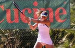 Nadia Podoroska venció en tres sets a Dodin y se metió en el cuadro principal del WTA de Palermo.