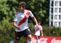 El volante de 20 años Sebastián Medina, de River Plate, se suma a las filas de Broggi a préstamo y sin opción de compra.