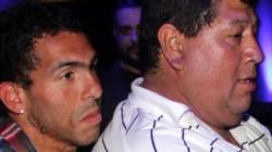 El padrastro de Tevez está internado en terapia intensiva por COVID-19.