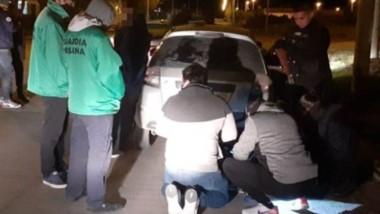 Momentos en que el vehículo es examinado exhaustivamente.