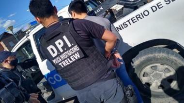 La detención se produjo en la avenida Rawson, al oeste de la ciudad, donde se investiga la denuncia.
