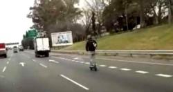 Un hombre que iba a 100 kilómetros por hora en la Autopista Panamericana y que había hecho lo mismo en julio pasado, fue detenido en las últimas horas.