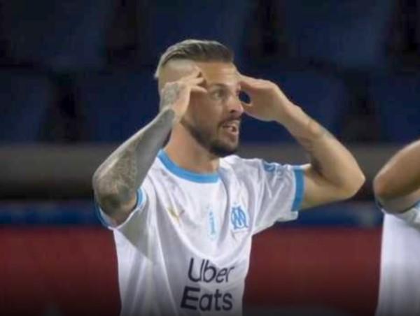 """El """"Pipa"""" Banedetto no puede creer el gol que le anularon. Después de fue expulsado."""