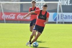 Escándalo en San Lorenzo: Ángel Romero fracturó a Andrés Herrera. El paraguayo le fue con todo al chico que era negociado para ser vendido a Palmeiras.