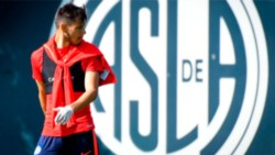Soso decidió apartar por tiempo indeterminado a Ángel Romero por su acción ante Herrera.