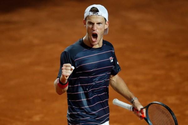 """El """"Peque"""" ganó por 1ª vez a Nadal en 10 partidos: se impuso al N°2 del mundo y dueño del récord de 9 títulos en Roma y se volvió a meter en semis."""