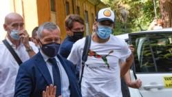 La policía italiana denuncia que a Luis Suárez le filtraron las preguntas del examen para su pasaporte.