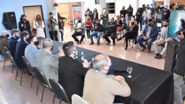 Proyecto clave. La presentación de la obra hídrica que según afirmó el intendente Maderna dará una solución para los próximos 50 años.