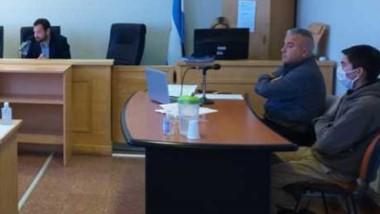 La audiencia fue presencial y el acusado estuvo con su abogado.