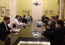 Cafiero, junto a los ministros Kulfas, Moroni y la jefa de la AFIP Mercedes Marcó del Pont y del BCRA Miguel Pesce.