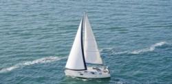 la pareja, ambos procedentes de Venecia, habría intentado navegar desde el puerto de la isla de Lampedusa (entre Sicilia y el norte de África), para probar que la Tierra tiene un 'final'.