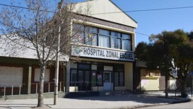 El personal del Hospital Zonal de Esquel se encarga de supervisar los dos pacientes con Covid 19.