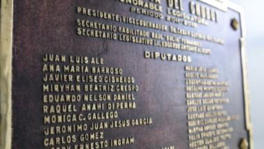 ¿Se animarán? Ale sigue presente en las placas del parlamento y nadie propuso imitar el caso de Tito Nichols.