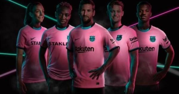 Con Lionel Messi como principal protagonista, el Barcelona presentó su nueva camiseta.