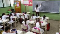 Los salarios de los maestros de todo el país se encuentran por debajo de la línea de pobreza, y en varias provincias no se abonan en tiempo y forma, advirtió hoy la Unión Docentes Argentinos. (Archivo