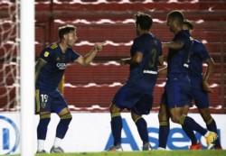 En una definición dramática, Boca empató con Argentinos, River perdió ante Independiente y el Xeneize clasificó a la final.
