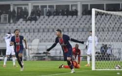 PSG y su felicidad en el campo de juego, tras quedarse con el clásico y el título de la Supercopa de Francia.