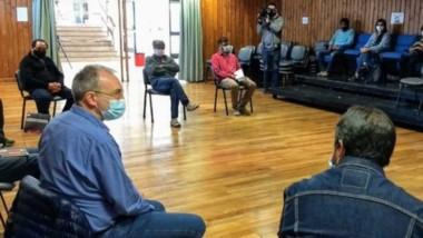 El ministro de Salud en Esquel con los directores de 14 hospitales rurales de la zona de la Cordillera.