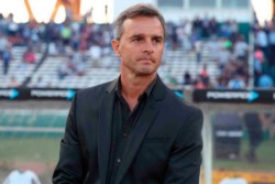 Hubo una reunión con Lavallen, la dirigencia de Independiente sigue barajando alternativas a la hora de quien será el nuevo entrenador del club.