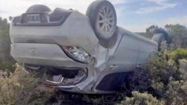 El automóvil Peugeot 308 volcó en la ruta Nº 1. Sus ocupantes sufrieron lesiones consideradas leves