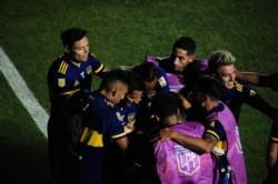 Cardona, con un golazo, le dio la ventaja a Boca. En la última jugada, Lollo lo empató y definieron por penales.
