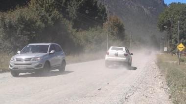 El camino a Puerto Patriada, una odisea para turistas y lugareños.