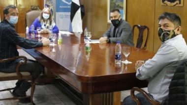 El secretario general adjunto Juan Espinoza y la gobernadora Kirchner