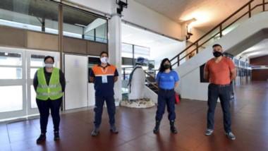 Plantel. Los empleados municipales responsables de la prevención en el área de trabajo de los micros.