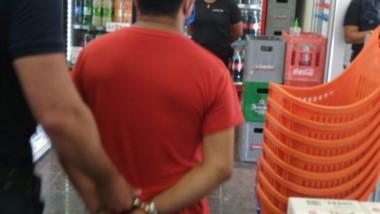 El ladrón trabajaba en un mercado chino. Fue denunciado por el dueño